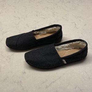 TOMS Classic Faux Shearling Lined Slip-On Shoe